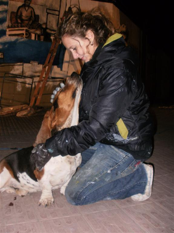 y Maria y el perro del mural La Frabrica Bagliani